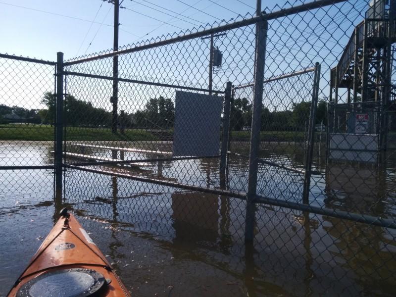 Kayak prison!