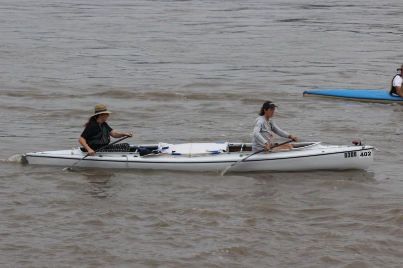 Danelle ad JoJo paddling the Kruger Cruiser at the start.